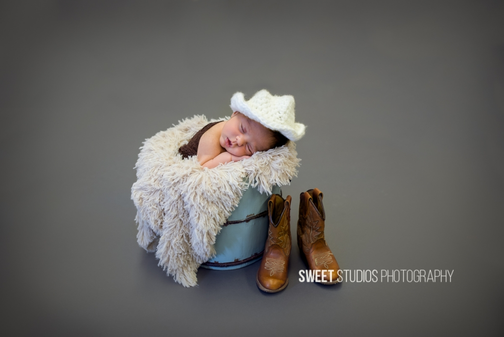 Akron Cleveland Newborn Baby Family Kids Photographer Kriste Radicelli Sweet Studios Photography
